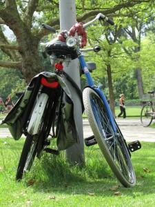 Fietsen in het Vondelpark, Amsterdam